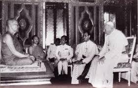 JP II w świątyni buddyjskiej 1984